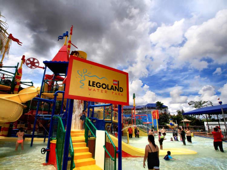 Legoland Malaysia Resort by Mohd Fazlin Mohd Effendy Ooi on Flickr https://flic.kr/p/ASY8WR